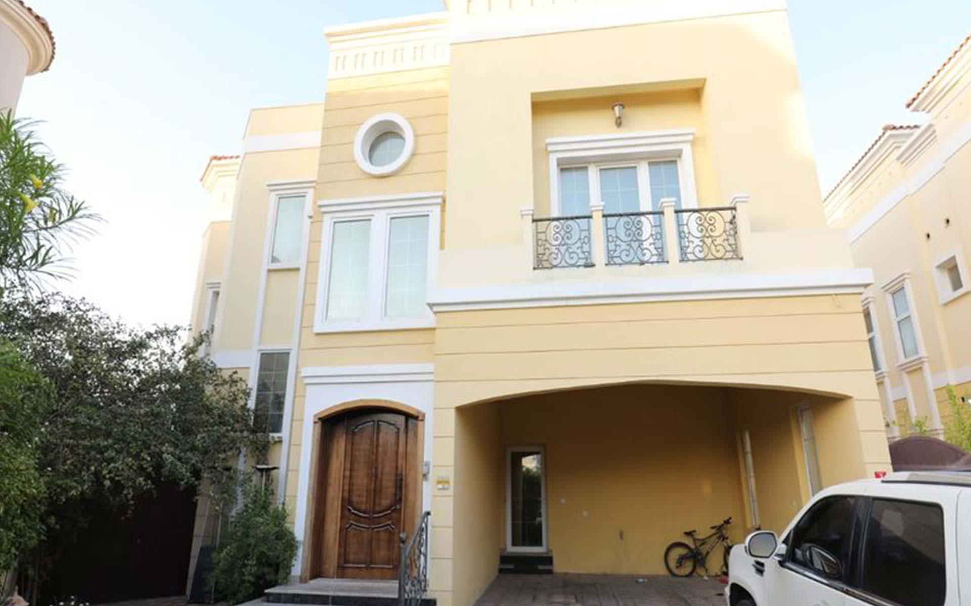 6-bedroom-villa-for-sale-in-aldea-at-the-villa